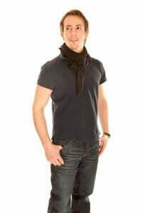 Der Modebewusste Mann von heut achtet genau auf seine Kleidung