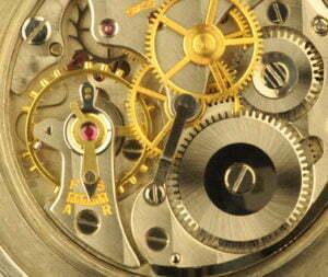 Eine Analoguhr ist ein hochpräzises mechanisches Wunderwerk - Foto: © ezoom - Fotolia.com